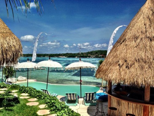Le Pirate Beach Club (Nusa Ceningan) - Scenic with Crystal clear water - See more at: http://www.thebalibible.com/bali/balis-best-beach-clubs#sthash.1pVJk7Ku.dpuf